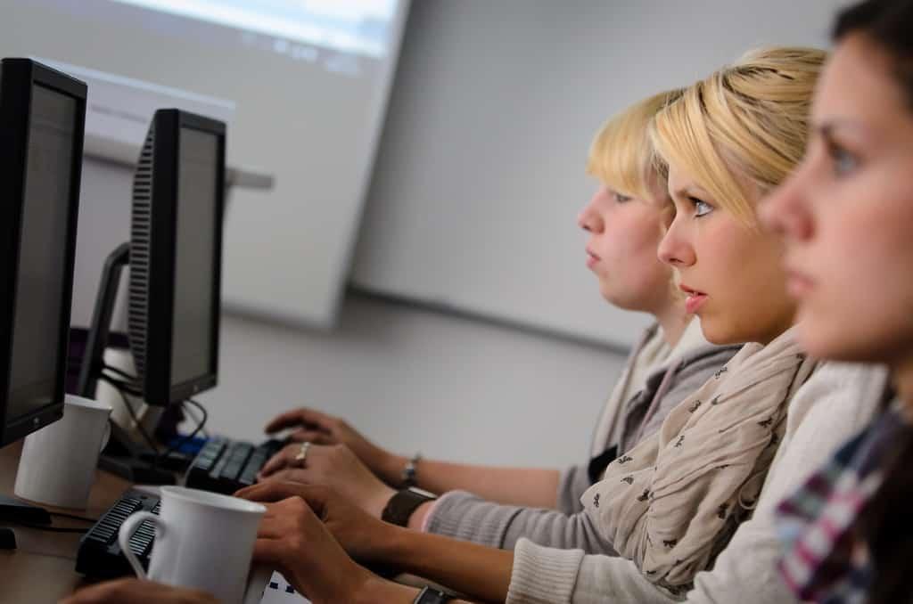 EDV Kurs, Coaching, Personalentwicklung, Kommunikationstraining, und Sprachkurse